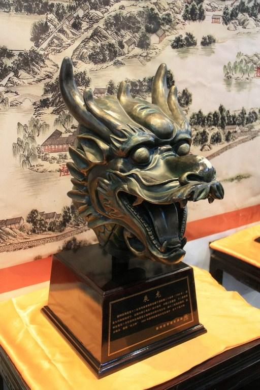 明园十二生肖兽首铜像展览,龙首(仿品).童岱/CFP-法国皮诺家