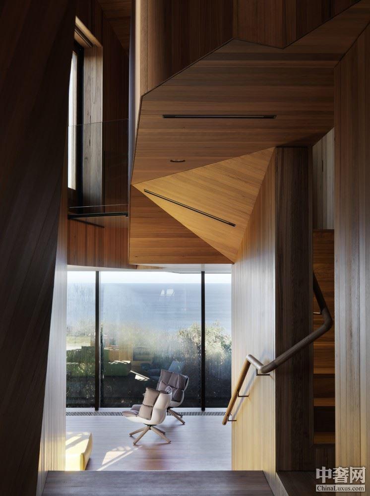 fairhaven别墅:被海风吹拂的灰色现代宅