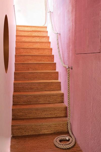 幼儿园幼儿楼梯麻绳装饰护栏布置