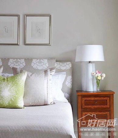 家装资讯     欧式卧室背景墙装修色彩搭配:普通的床罩和中性的墙壁