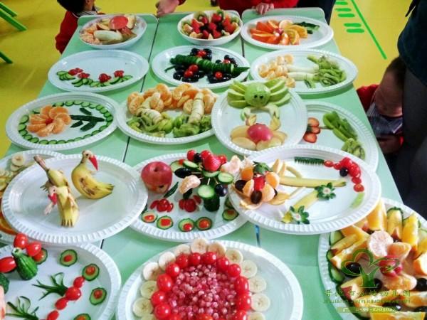 梅岭教育办:亲子创意水果拼盘活动在心怡幼儿园举行