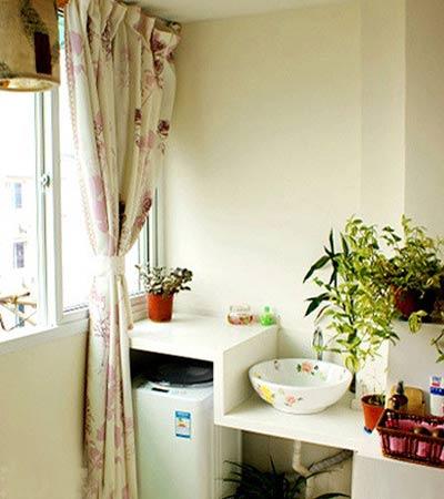 二手房装修效果图:阳台和卧室打通,阳台的一边放洗衣机,一边