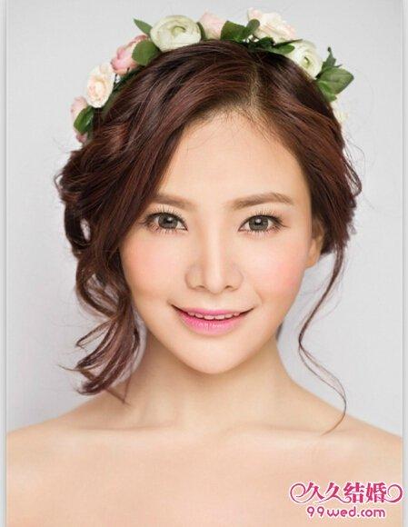甜美的韩式新娘盘发发型推荐图片