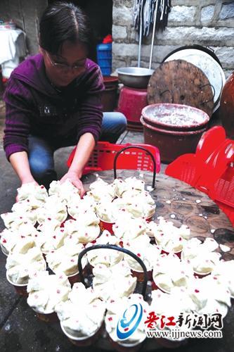 【春节记忆】90后吴鸿鹏:除夕夜,与奶奶一起蒸碗糕