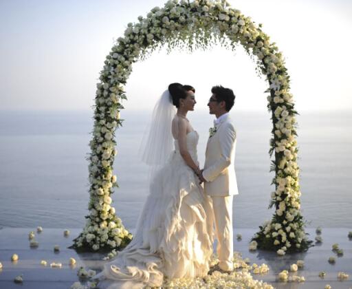 明星海岛婚礼大盘点 开启浪漫蜜月游