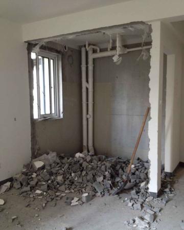 这年头,能辛辛苦苦攒钱买一套房就已经不容易了,然而买完房还要面临装修难题,同样是一笔不小的花费。为了省下这笔装修钱,有人自己动手DIY,他用了十个月时间自己动手搞定了装修,而且效果一点都不比装修公司的差!