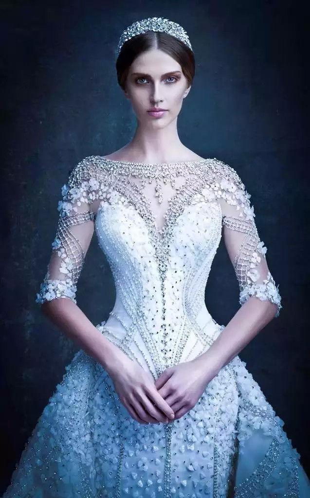 迪拜土豪们的婚纱:美到姑娘们都想结婚