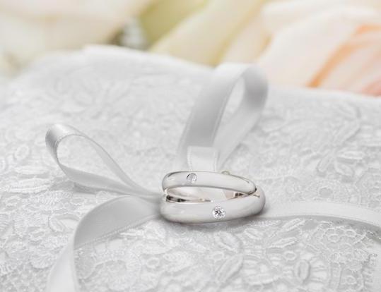 恋爱结婚的甜蜜季 婚戒才是秀恩爱的杀手锏!
