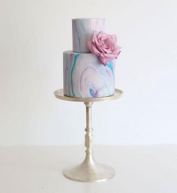 完美错觉:独一无二的晶洞婚礼蛋糕