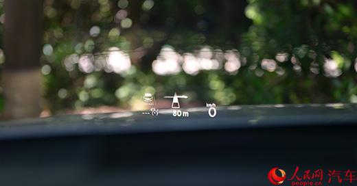 轴距再加长配置再升级人民网试驾一汽-大众全新迈腾