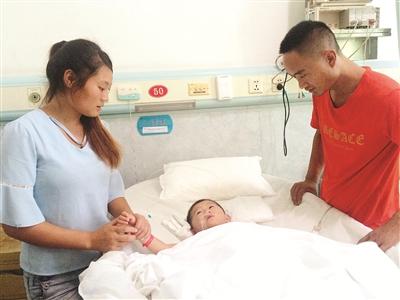 漳州:3岁娃洗澡被开水烫伤55% 父母为医药费操碎了心