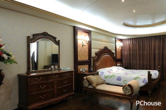 欧式卧室床头背景墙