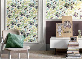 花纹壁纸修饰墙面缺陷