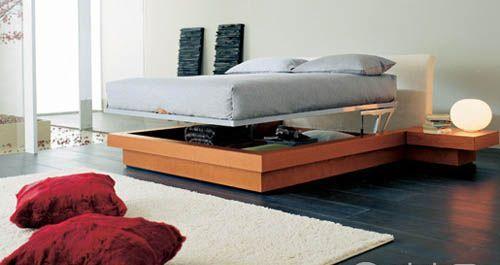 11点卧室收纳建议 善用床铺