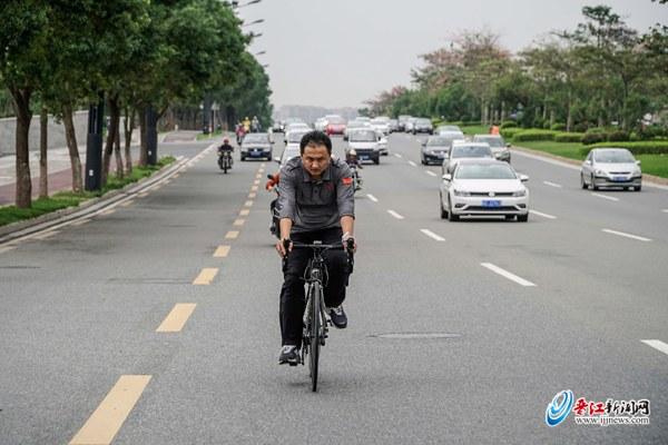 丈量员闫俊涛 :晋江半马赛道非常棒