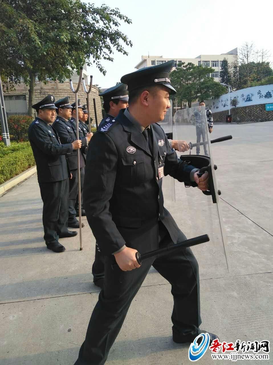 晋江增派367名保安到小学和幼儿园