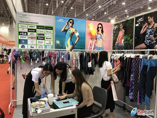 晋江泳装企业组团亮相CCEE跨境选品大会