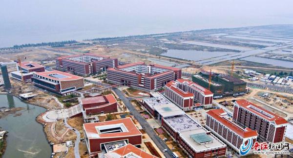 """14个月建""""海上大学"""""""