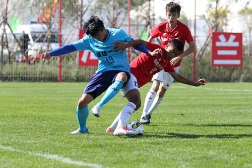 体育大牌抢夺青少年足球市场