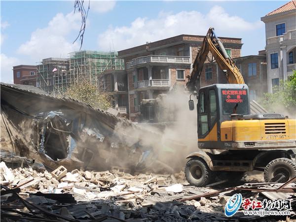 内坑镇累计拆除辖区内存在隐患的临时搭盖177宗 拆除面积超4万平方米