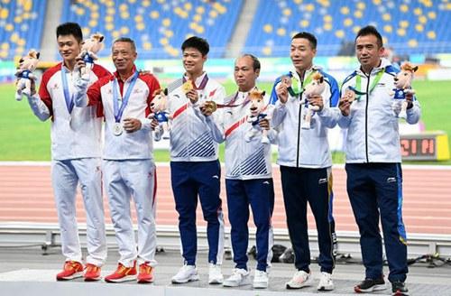 苏炳添首夺男子百米冠军 广东辽宁分获乒乓球男女团体金牌